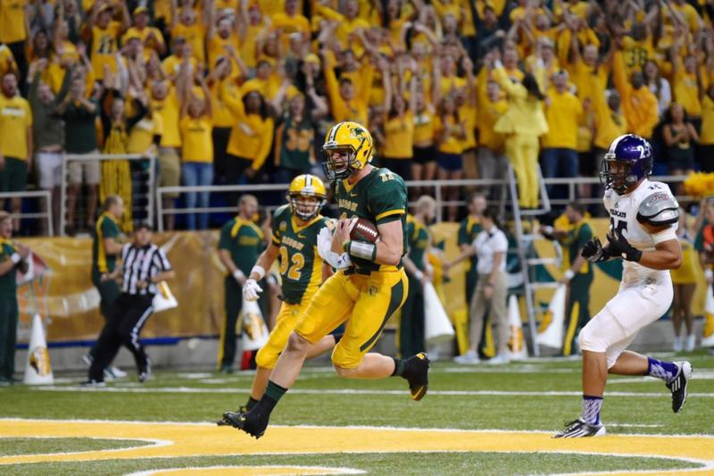 Carson Wentz 2015 WSU Touchdown
